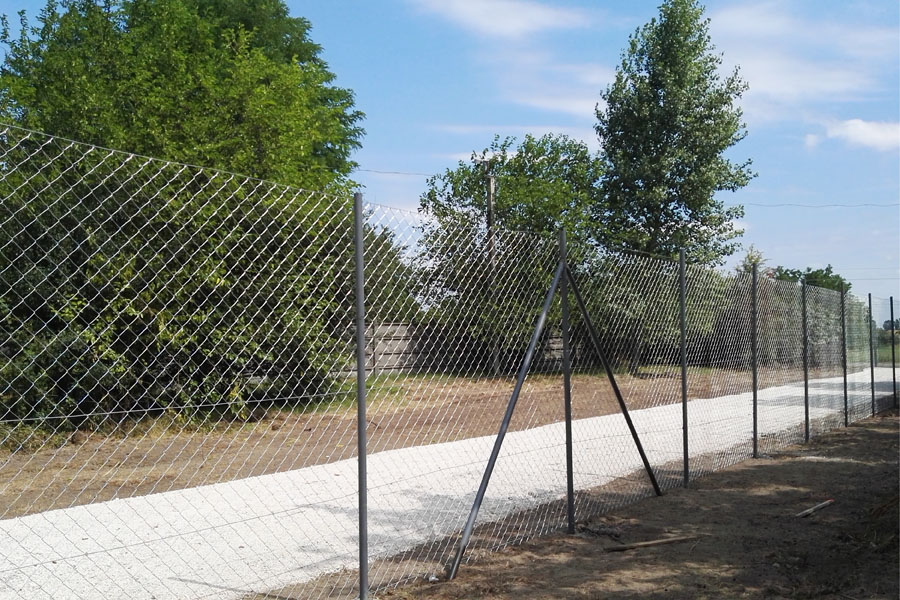 kerítés építés, biztonsági zár