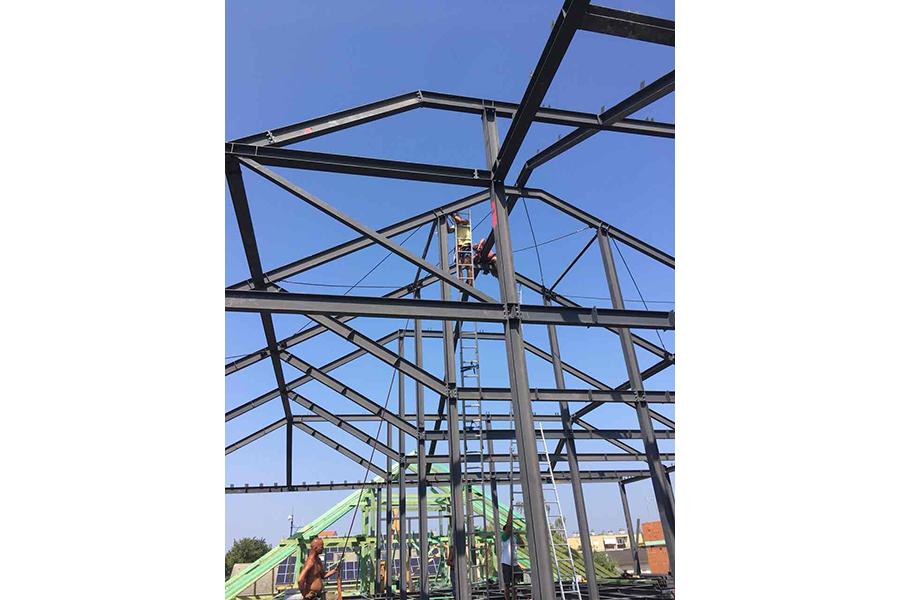 szerkezetépítés, acél tetőszerkezet építés, építési vállalkozó, épülettervezés, kivitelező
