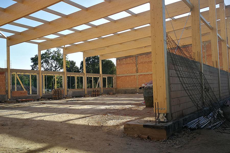 sportcsarnok építés, szerkezetépítés, zsaluzás, betonozás, falazás