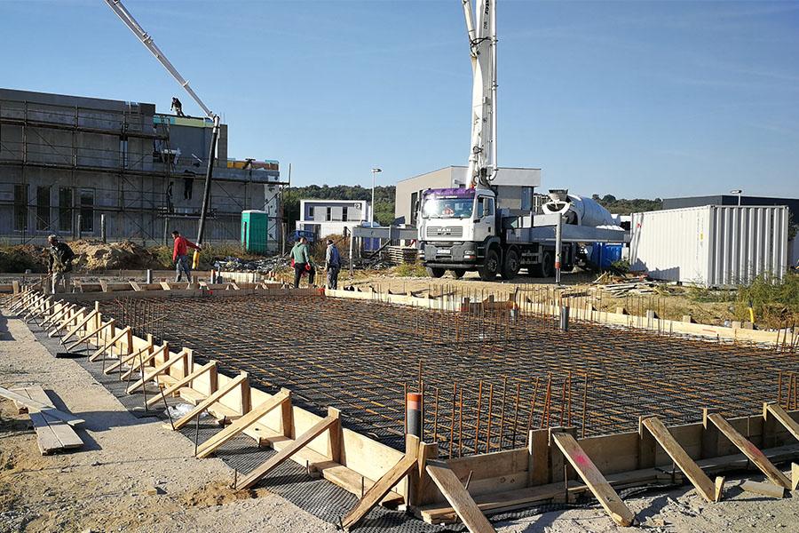 Szerkezetépítés, generálkivitelezés, alapozás, zsaluzás, betonozás, falazás