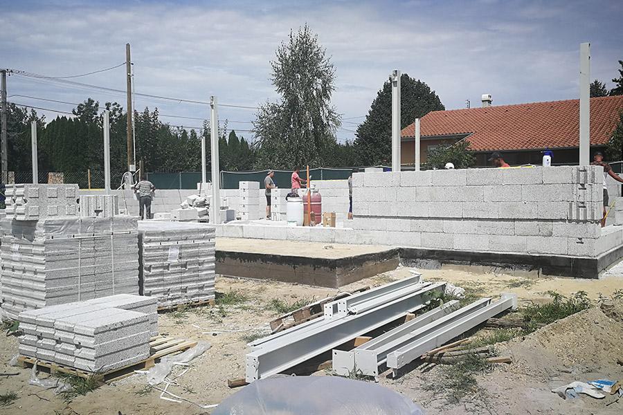 házépítés, családi ház kivitelezés, kulcsrakész kivitelezés