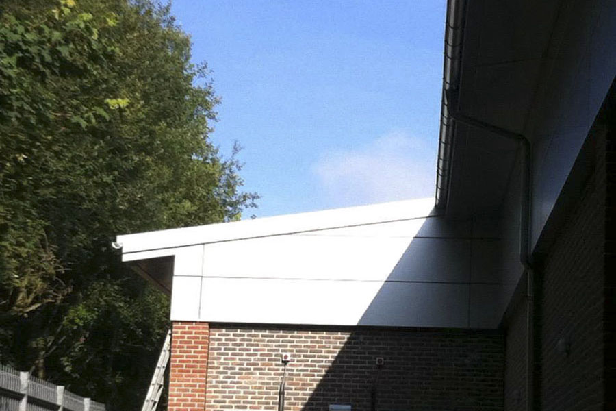 Lidl átalakítás, acél tetőszerkezet, homlokzati burkolatok
