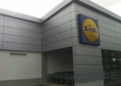 LIDL – Angliai áruházak fém tetőszerkezetei, homlokzati burkolatok
